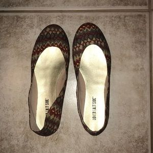 Tan Flats with Design